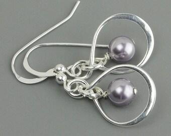 Lavender Mauve Pearl Earrings - Sterling Silver Infinity Earrings - Swarovski Pearl Drop Earrings - Bridesmaid Jewelry - Wedding Earrings