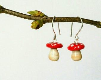 Earrings mini mushroom glass spun