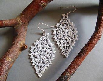 Tatting jewelry, ecru tatted lace earrings, lace bridal jewelry, delicate  tatting earrings, lace chandelier earrings, wedding jewelry
