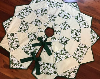 Very Classy Reversible Christmas Tree Skirt