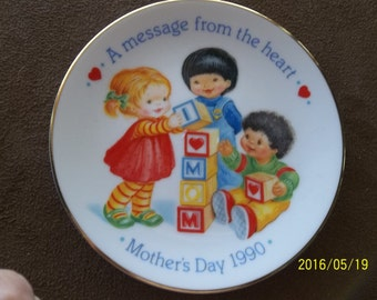 Avon Mother's Day 1990 Dish, A Message From The Heart
