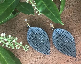 Panama Sage (lg) basket weave leather leaf earrings