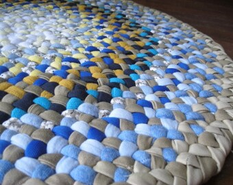 Made To Order Custom Braided Round Rug from recycled fabrics in your choice of colors