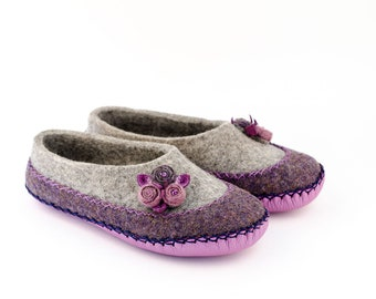 "Organic felted slippers ""Cosmey"" 