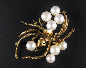 Vintage 14k Gold Brooch with Flower and Pearls