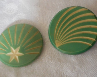 Lot of 2 VINTAGE Green Carved Celluloid Shooting Star & Comet BUTTONS