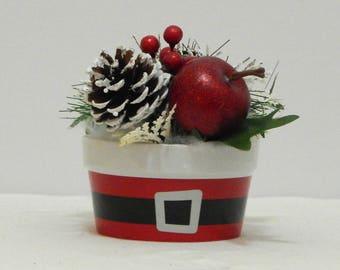 Christmas Floral, Small Arrangement, Christmas Decoration, Fireplace Mantel, Christmas Floral Arrangement, Floral Arrangement, Hall Decor