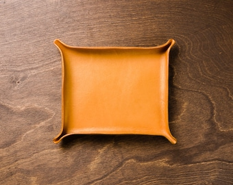 Leather Catchall Large - Gold / personalized catchall, valet tray, office organizer, gift for him, for her, house organizer,  valentines