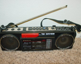 Sanyo M-GT7 AM/FM Stereo Radio Single Cassette Tape Recorder Boombox Dust & Splash Proof Vintage Audio