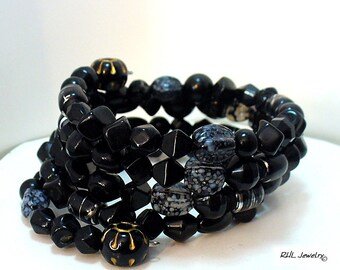 Black Memory Wire Bracelet with no Clasp, Beaded Black Bracelet, One Size Fits Most,  - B2017-12