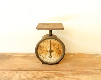 Rustic Vintage Farmhouse Kitchen Scale Rusty Black Metal Kitchen Display Columbia 60 Pound Scales