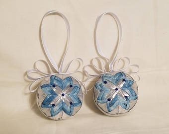Set of 2 Christmas Tree Ornaments Silver and Light Blue and White Snowflakes/Ribbon/Holiday Use/Home and Living/Round/Home Decor