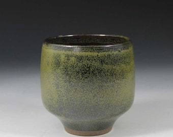 Stoneware tea bowl / yunomi/ cup with tenmoku and celadon glaze by Peter Sparrey