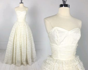 Vintage 50s Frothy Tulle CUPCAKE DRESS prom wedding formal dance strapless gown white XS lace ball gown pinup tiered chiffon
