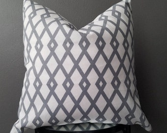 Robert Allen Geometric Decorative pillow