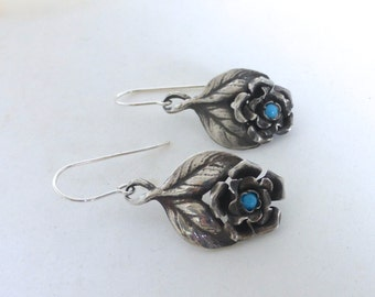 Vintage 1960's Mexican Sterling Silver & Turquoise Flower Dangle Earrings