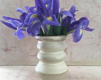 Small Curvy Beige Vase.