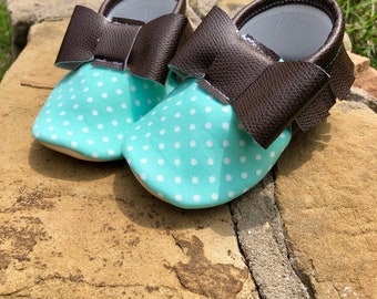 Breeze Blue Bow Moccs- Handmade Moccs // Baby Moccs // Bow Moccs // TEXAS MOCCS // Baby Moccasins