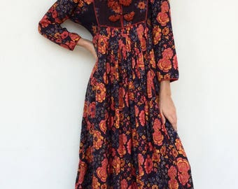 Stunning 70s designer Anokhi floral high neck maxi dress