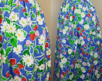 Vintage strawberry skirt - floral daisies skirt - plus size xl extra large strawberry blue red 1980s 80s eighties strawberries fruit
