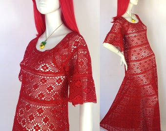 Vintage 1960s red Crochet maxi dress / psych / flower / hippie / festival 70s / mexicana // STUNNING