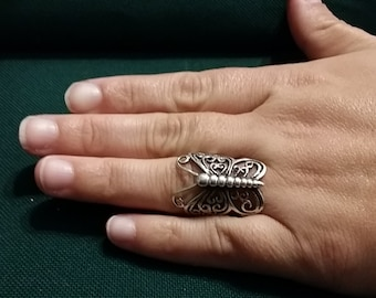 R 204   Sterling silver butterfly ring approximate size 7 3/4