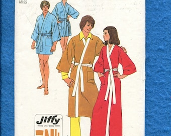 1973 Simplicity 5685 Kimono Sleeve Wrap Robe in Three Lengths  Size 10