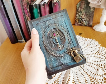 Coptic A6 journal with the lock, handmade notepad with lock, notebook with lock, diary with lock.