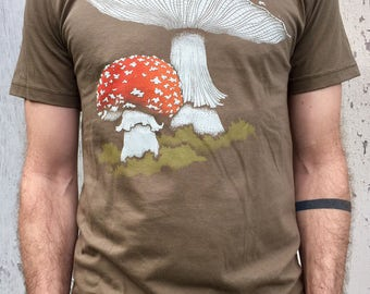 AMANITA Muscaria army green Mens Cotton Tribal Shaman T-Shirt, Mushroom Shirt, Goa Festival Clothing Top, psychedelic printed shirt Men