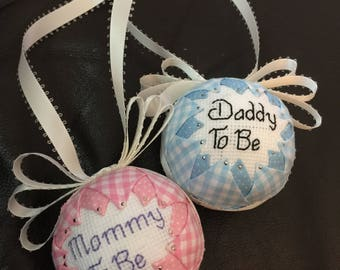 Mommy and Daddy too be... can be altered to Grandma to be... Great for the baby reveal at Christmas time!