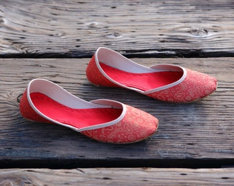 The Zahri- Handmade slip on flat made with cloth and leather