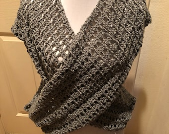 GRAY CROCHETED VEST