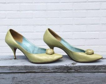 REDUCED 2 - Vtg 50s Spring Green Heels
