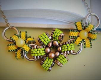 Peyote Flowers Necklace