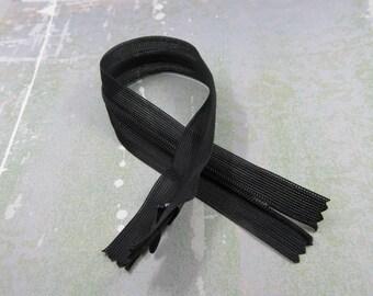 SET of 5 zipper (29cm) invisible grey polyester non detachable.
