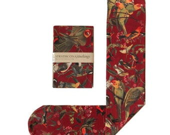 Bird Print Socks (Crimson)