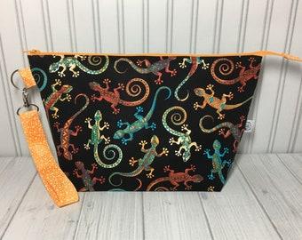 Wedge Bag with Handle - Southwest Geckos