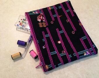 Donkey Kong Makeup Bag - Pencil Bag - Travel Bag - Zipper Bag - Donkey Kong Fabric Wallet - Geeky Makeup Bag - Coin Purse - Dice Bag