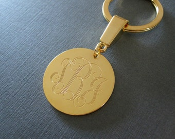 Personalized Engraved Monogram Circle Keychain in 3 Colors & 3 Pendant Sizes - Custom Monogram Keychain - Monogrammed Gifts - Gift for Men