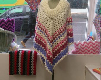 Poncho one size fits all cream/punk/lilac
