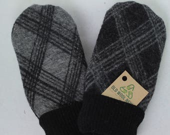 Suede Palm Mittens, Purposely Mismatched, Gray and Black (M)
