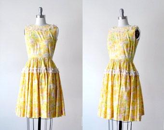 60's yellow dress. floral print dress. 1960's ruffle dress. full. s. 60 vintage dress.