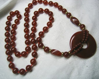 Vintage Carnelian Beaded Necklace Side Disc Circle