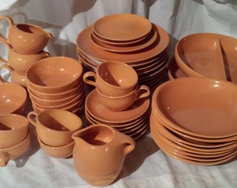 SCARCE Russel Wright Iroquois Casual CANTALOUPE Lot & 11 Pieces Russel Wright Mary Wright Sovereign Pottery Knowles