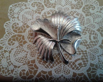MidCentury Modernist Stylized Shamrock Pin