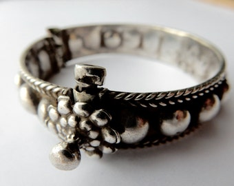 Small old bracelet in silver - India.