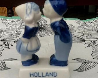 Vintage blue and white ceramics sweet couple/Figurine/Home decor/Holland