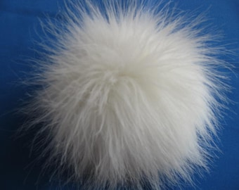 Faux fur pompon- ivory with button