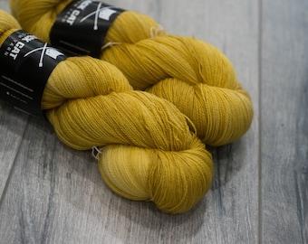 Canadian Hand-dyed yarn 100% Superwash Merino Lace Yarn 115g 980 yards Lace weight. Midas. Semi-Solid yellow Yarn. Tonal gold Yarn