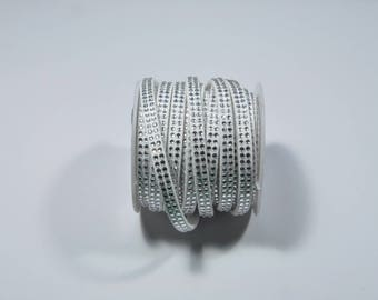 CO14 - 1 metre of cord with white rhinestones